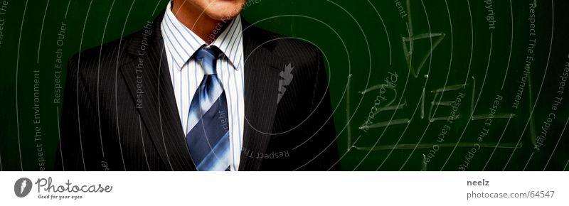 Ziel Mann weiß Arbeit & Erwerbstätigkeit Business Management Ziel Anzug Geschäftsleute Hemd Tafel Rede Krawatte Kreide Nadelstreifen