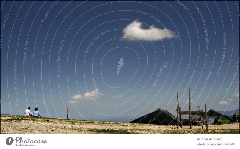 Überblick Wolken ruhig Pause Freizeit & Hobby Gedanke Luft Hoffnung langsam Himmel Ferne blau Paar hoch Berge u. Gebirge Freiheit genießen frei paarweise