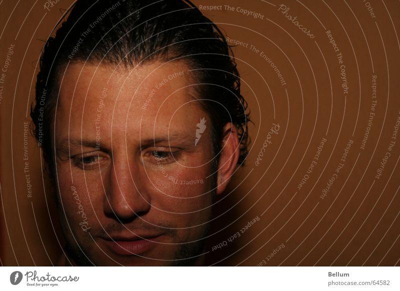 émotion Seele Mann geistig Kontrollverlust Blick zielen Augenbraue gestikulieren Gesichtsausdruck Bart gruselig Motorradfahrer verrückt face Elektrizität