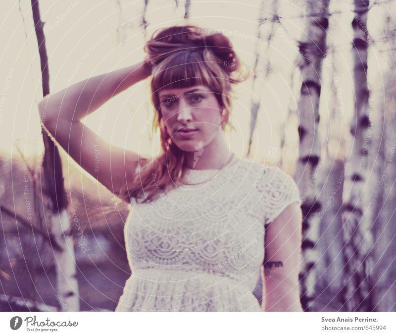 lila licht feminin Junge Frau Jugendliche Haare & Frisuren Gesicht Arme Hand 1 Mensch 18-30 Jahre Erwachsene Mode Bekleidung Kleid Schmuck rothaarig langhaarig