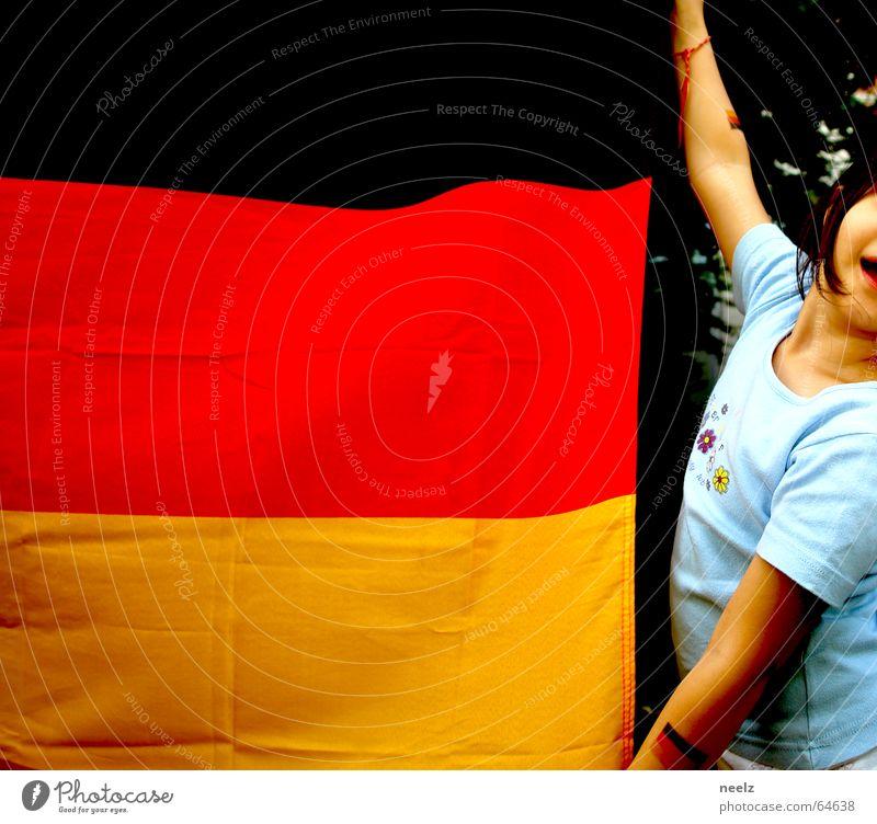 schwarz-rot-gut oder der wind dreht sich Kind Weltmeisterschaft Deutschland Wind Fahne Begeisterung Patriotismus WM 2006