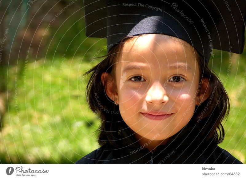 Ximena Mädchen grün Kind graduiert Schule Glück Berufsausbildung Auge Gesicht graduated school happy education child eyes face
