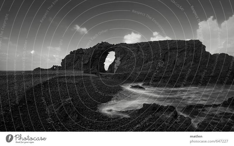 hole Himmel Natur weiß Wasser Meer Landschaft Wolken Strand schwarz Küste Felsen Wetter Schönes Wetter Loch Riff