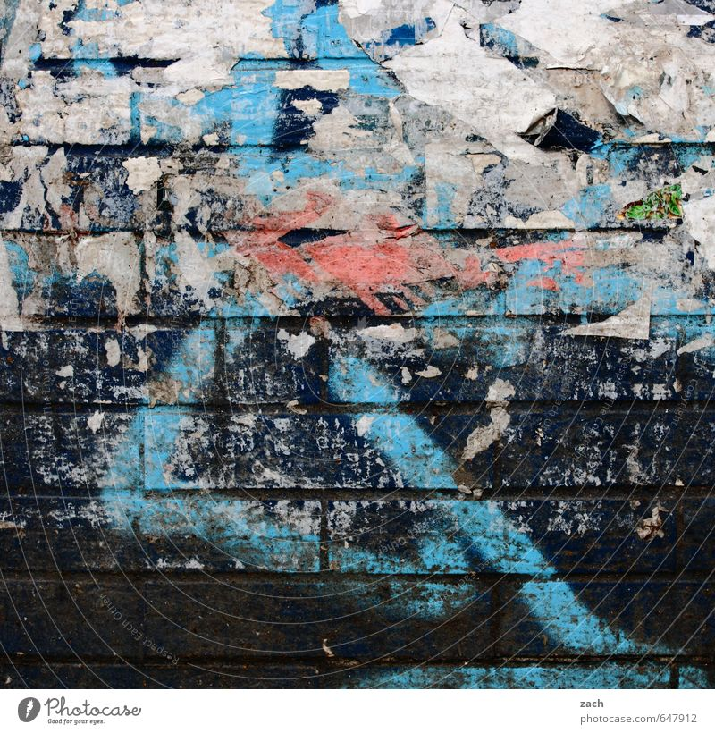 X-Berg Kunst Gemälde Berlin Stadt Mauer Wand Fassade Stein Zeichen Ziffern & Zahlen Ornament Graffiti Linie mehrfarbig schwarz Straßenkunst Farbfoto