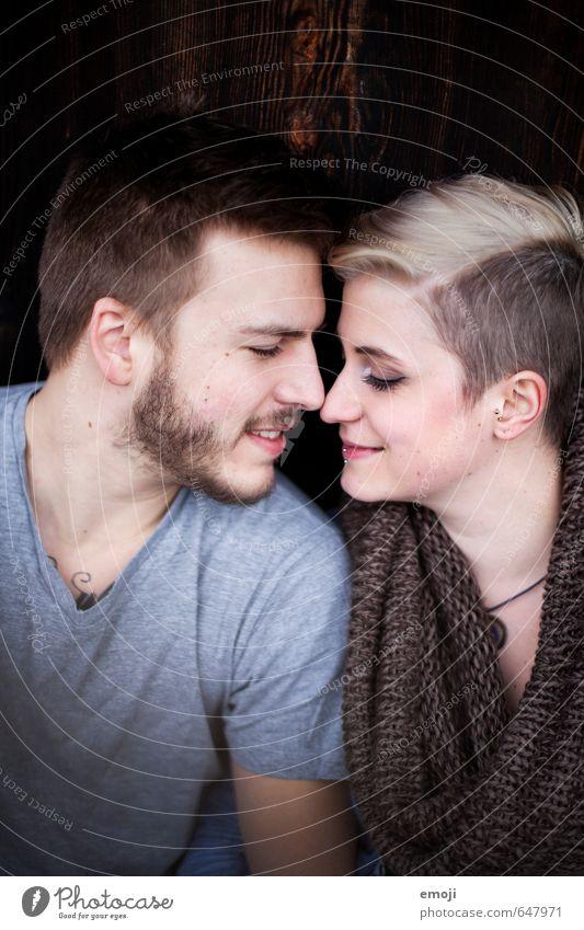 happy Mensch Jugendliche schön Junge Frau 18-30 Jahre Junger Mann Erwachsene Liebe feminin Paar maskulin trendy Liebespaar Intimität