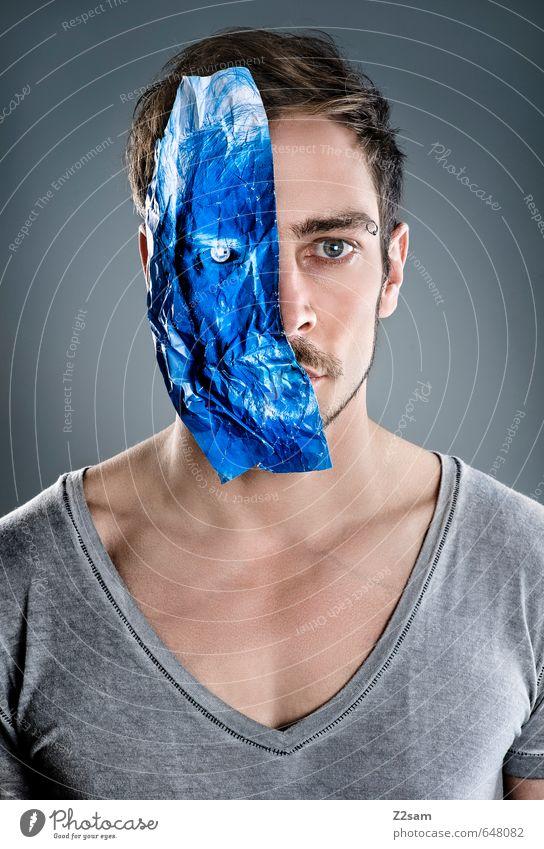 invertiert elegant Stil High-Tech Telekommunikation Mensch Junger Mann Jugendliche 30-45 Jahre Erwachsene Mode T-Shirt blond kurzhaarig Papier Blick blau