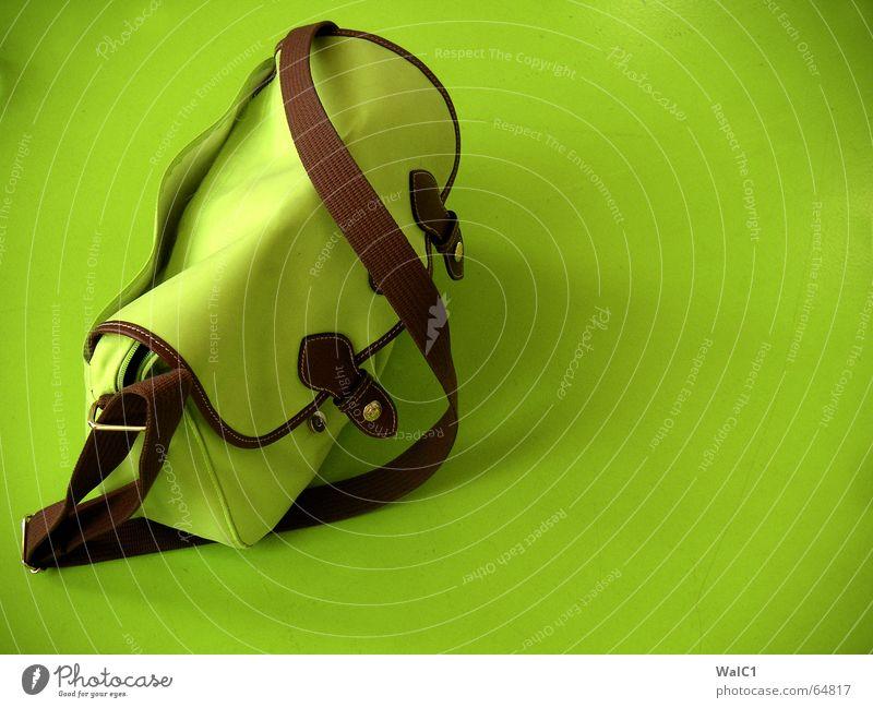 Ton in Ton grün braun Tisch Tasche Handtasche Verschluss