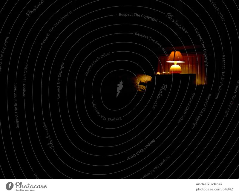 mitternachttisch Lampe dunkel Bett Schlafzimmer Nachttisch