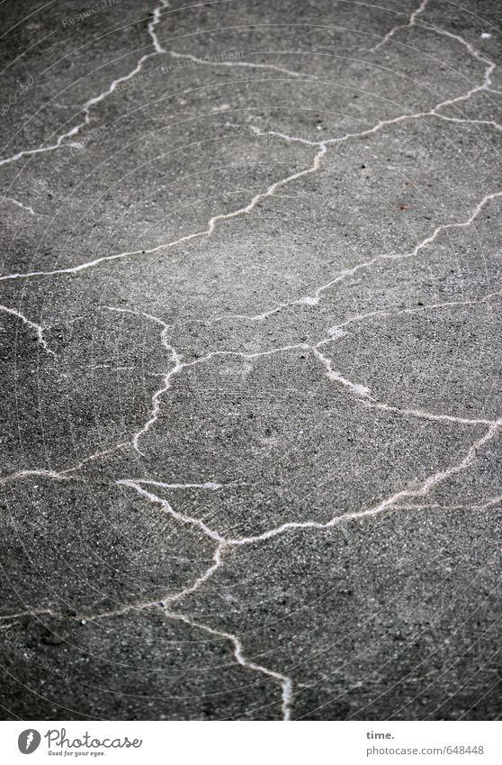Asphaltblitze alt Wege & Pfade Linie Vergänglichkeit kaputt Wandel & Veränderung geheimnisvoll Asphalt Verfall Zerstörung Rätsel Schwäche