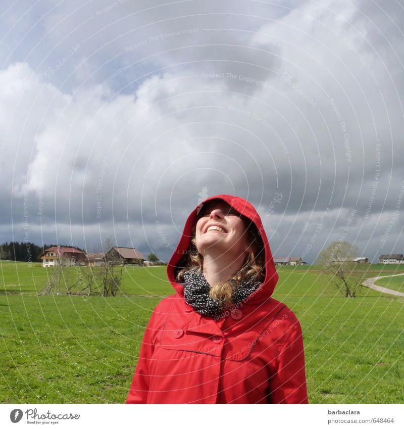 Wetter | Ich hab's doch gewusst Mensch Frau Himmel Natur Jugendliche rot Landschaft Wolken Freude 18-30 Jahre Erwachsene Umwelt Leben Wiese feminin lachen