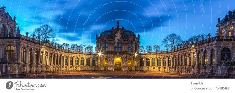 Dresdner Zwinger Hauptstadt Altstadt Burg oder Schloss Platz Architektur Fassade Sehenswürdigkeit Wahrzeichen Denkmal Kultur Dämmerung Dresden Sachsen