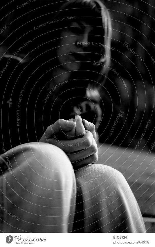 der Glauben an etwas... Frau Hand weiß schwarz dunkel Denken Beine Religion & Glaube Hoffnung Treppe Jeanshose Hose analog Müdigkeit Falte
