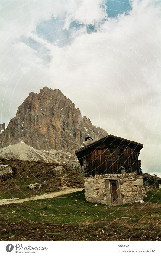 Sella Hut Front Wolken Berge u. Gebirge Holz Stein Felsen Hütte