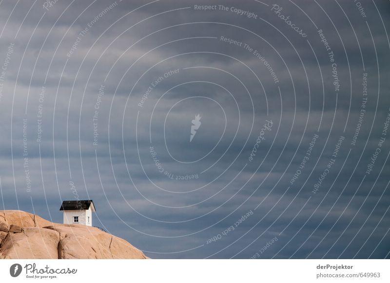 Es steht ein Haus im nrigendwo alt schön Sommer Landschaft Wolken Umwelt Gefühle Reisefotografie Küste Glück außergewöhnlich Felsen Stimmung Tourismus