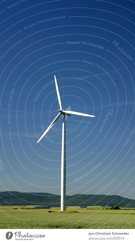 Windenergie Natur blau Bewegung Luft Wind Energiewirtschaft Elektrizität Windkraftanlage ökologisch teuer