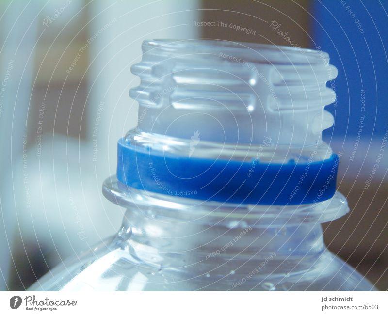 Plastikflasche Wasser frisch Schraubverschluss Ernährung Flasche