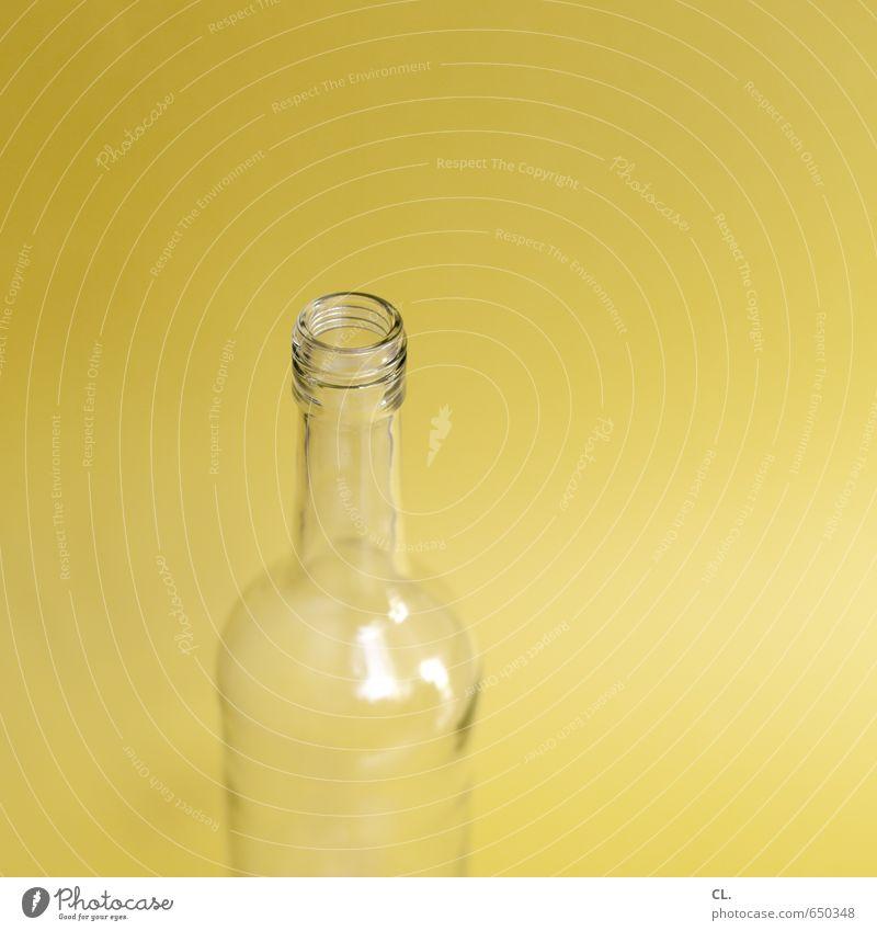 prost gelb Feste & Feiern Häusliches Leben Glas ästhetisch leer Trinkwasser Getränk Lebensfreude trinken Wein Flasche Alkohol Erfrischungsgetränk Saft Flaschenhals