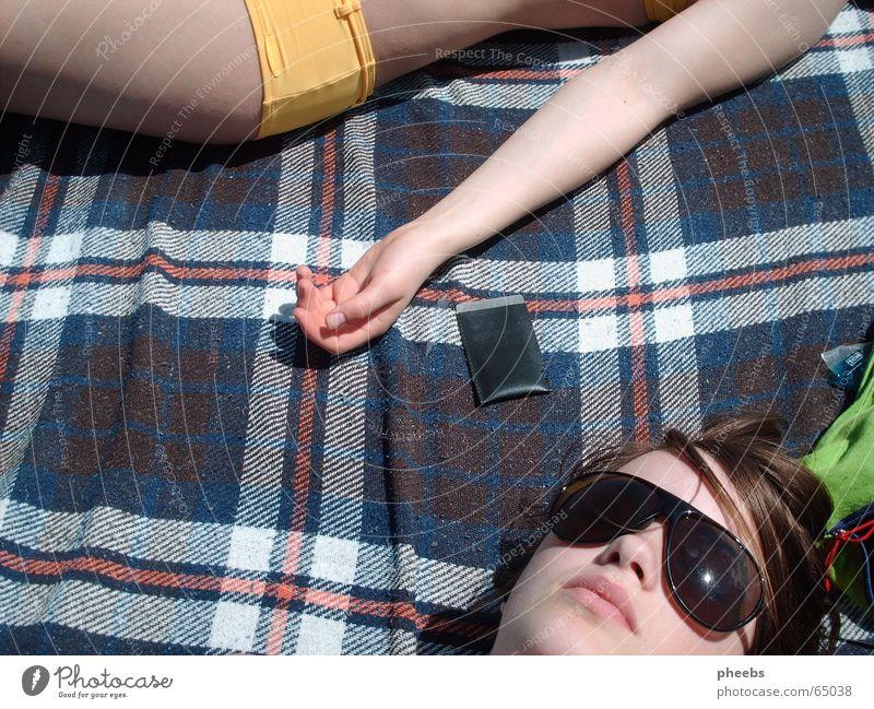 summertime Hand grün Sonne Sommer Gesicht Steg Bikini genießen Decke Sonnenbrille Tasche kariert