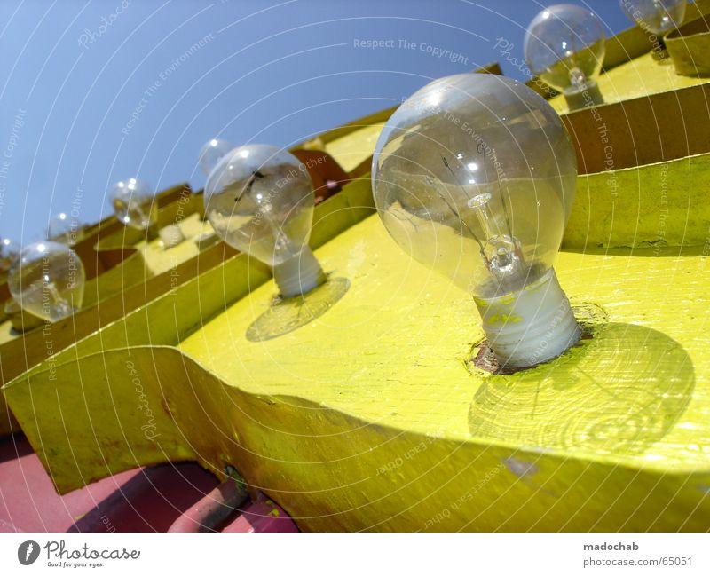 COLOR MY LIFE BEAUTIFUL Regenbogen CMYK gelb magenta rosa Glühbirne Licht Werbung Buchstaben groß Macht Einladung einladend mehrfarbig Leuchtreklame Zirkus