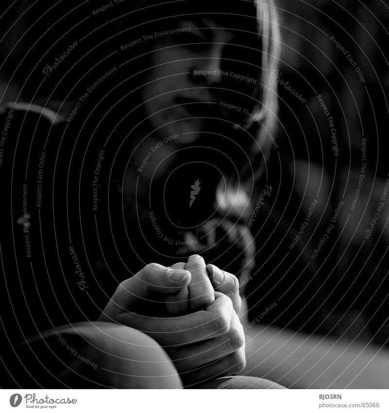 der Glauben an etwas... nochmal ;) Frau Hand weiß schwarz dunkel Denken Beine Religion & Glaube Hoffnung Treppe Jeanshose Hose analog Müdigkeit Falte