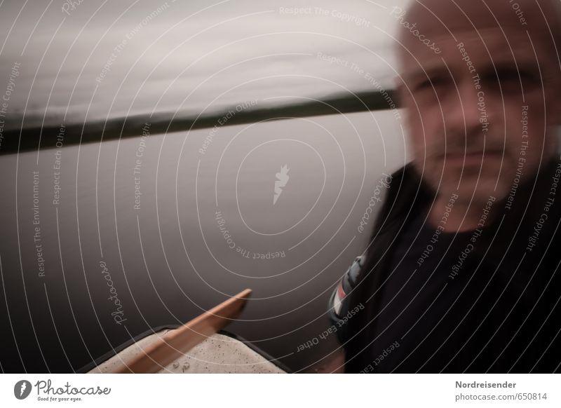 Dreamcatcher.... Sinnesorgane Abenteuer Ferne Mensch maskulin Mann Erwachsene schlechtes Wetter Meer See Motorboot Glatze fahren träumen dunkel Sehnsucht