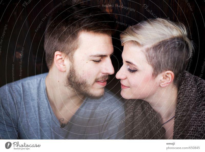 XY XX Mensch Jugendliche schön Junge Frau 18-30 Jahre Junger Mann Gesicht Erwachsene Liebe feminin Haare & Frisuren Kopf Paar maskulin Bart nah