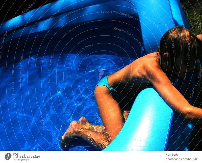 blueblueswimmingpool Mensch Wasser blau Sommer Freude Gras heiß Paradies Planschbecken