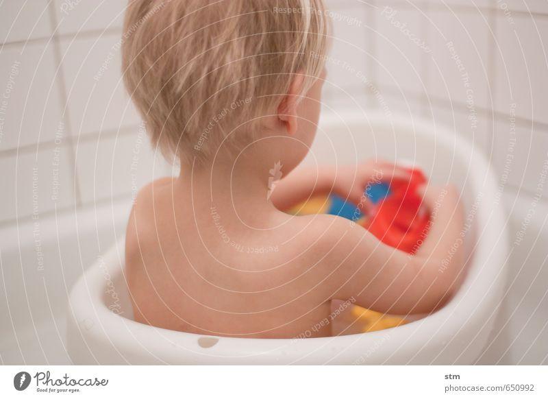 badetag Mensch Kind nackt Leben Spielen Schwimmen & Baden Familie & Verwandtschaft Wohnung Körper Häusliches Leben blond Haut Kindheit Badewanne Kleinkind Kinderspiel