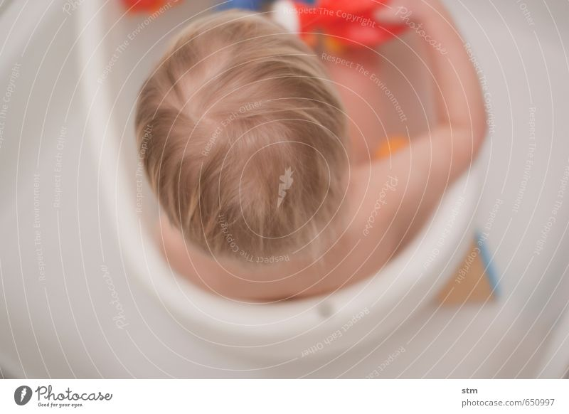 richtig sauber Mensch Kind Leben Junge Spielen Haare & Frisuren Schwimmen & Baden Kopf Familie & Verwandtschaft maskulin Wohnung Freizeit & Hobby Häusliches Leben blond Kindheit Badewanne