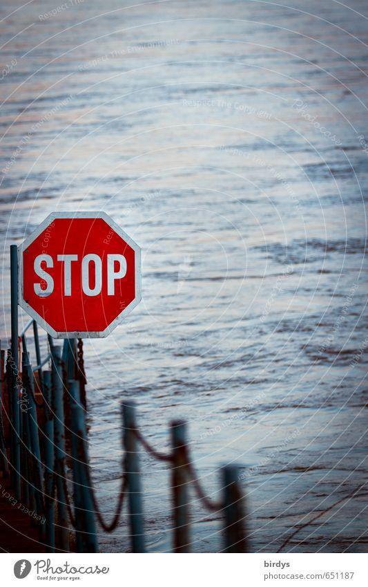 Wasser - Straße Flussufer Verkehr Verkehrszeichen Verkehrsschild Schifffahrt Schilder & Markierungen Hinweisschild Warnschild Stoppschild außergewöhnlich blau