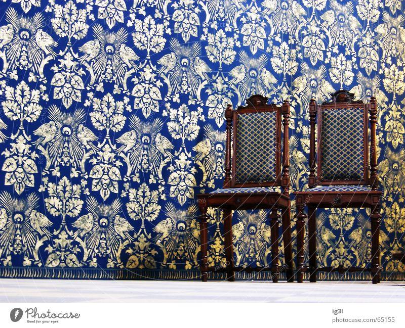 warten auf gott.. weiß blau ruhig Farbe Wand Holz Mauer Religion & Glaube braun 2 Raum Beleuchtung glänzend sitzen gold Platz