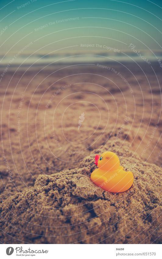 Wetter | zum Anbaden Himmel Ferien & Urlaub & Reisen blau schön Sommer Meer Einsamkeit Freude Strand gelb Küste lustig Spielen klein Sand braun