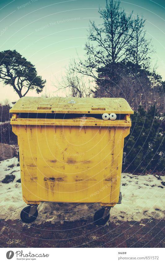 Gelber Engel Gesicht Dekoration & Verzierung Umwelt Winter Schnee PKW Taxi Kunststoff beobachten außergewöhnlich frech lustig Neugier verrückt gelb Angst Idee