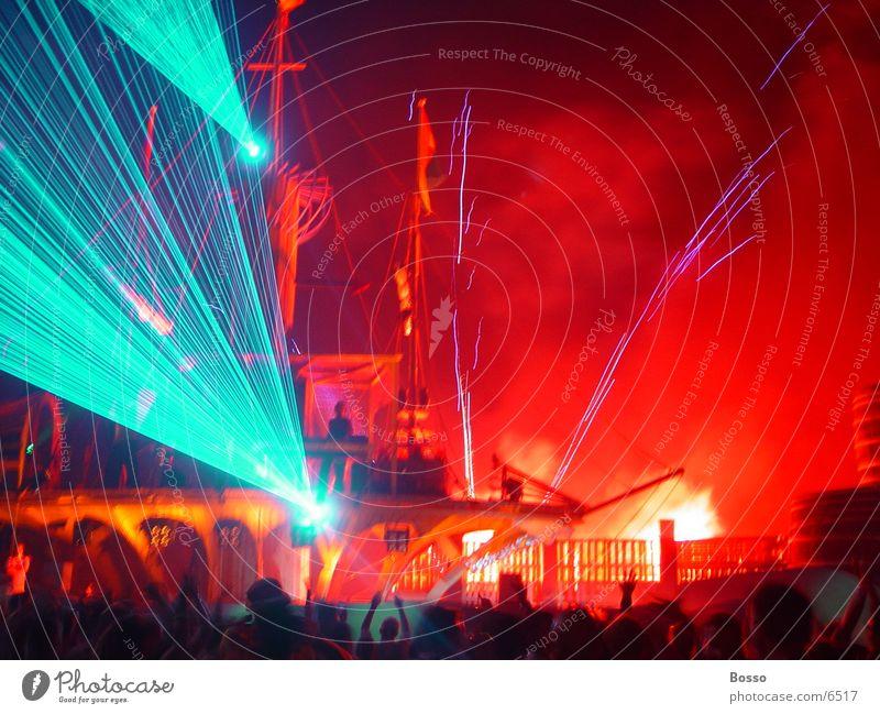 Outdoor laser and fireworks Laser Amsterdam Freizeit & Hobby @ mysteryland Außenaufnahme