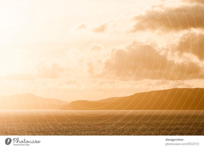 Abendgold Himmel Ferien & Urlaub & Reisen schön Wasser Sommer Meer ruhig Wolken Ferne gelb Berge u. Gebirge Küste Freiheit Wetter Tourismus