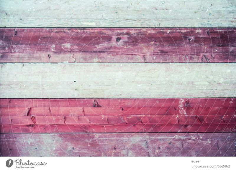 Holzbande Mauer Wand Streifen alt authentisch dreckig einfach trocken grau rot Farbe Verfall Vergänglichkeit Bodenbelag Maserung Holzbrett Holzstruktur rustikal