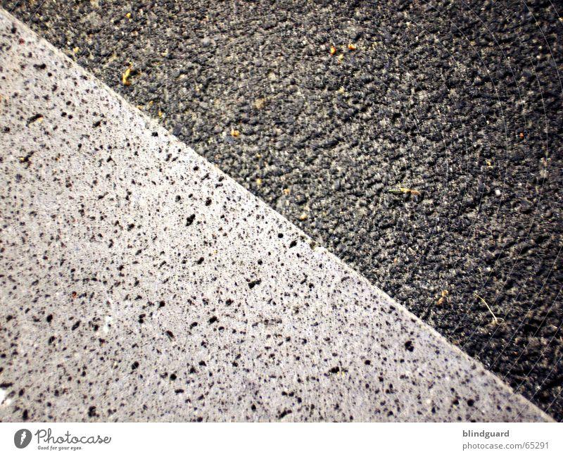Beton, nichts als Beton Straße Wege & Pfade grau gehen laufen Treppe fahren einfach fein sehr wenige minimalistisch reduzieren wackelig dunkelgrau