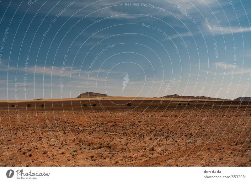Namib Desert Sommer Ferne Berge u. Gebirge Freiheit Felsen braun Horizont gold Idylle wandern Abenteuer Hügel Wüste Namibia
