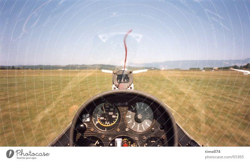 Start im Segelflugzeug Cockpit Segelfliegen Flugzeug gleiter Beginn Himmel