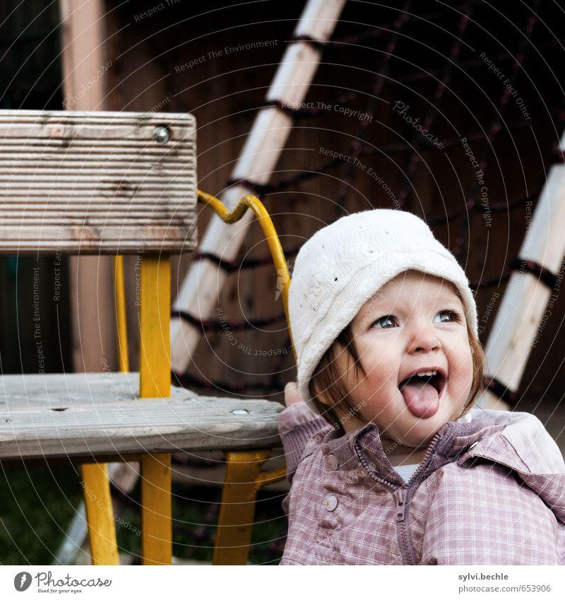 Von wegen! Mensch Kind schön Mädchen Freude Gesicht Leben feminin Spielen lachen klein Familie & Verwandtschaft Kindheit frei Fröhlichkeit Lebensfreude