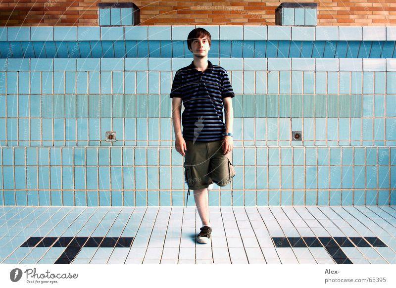 Einbeiniger Bandit blau Beine warten lustig leer retro Schwimmbad stehen Schwimmen & Baden Fliesen u. Kacheln trocken Dieb Vogel Flamingo