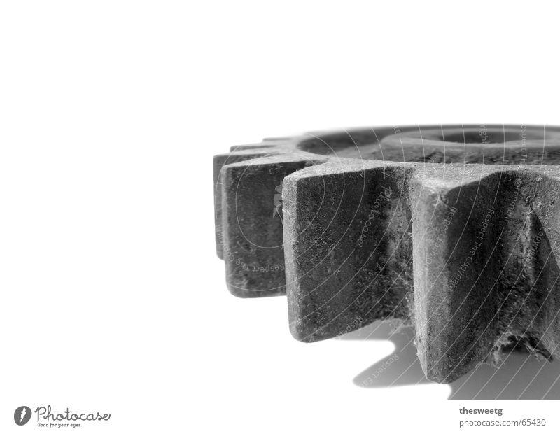 Zahnrad alt grau Denken Metall Kunst Regen Arbeit & Erwerbstätigkeit gehen laufen Aktion Wandel & Veränderung Show Technik & Technologie Industriefotografie