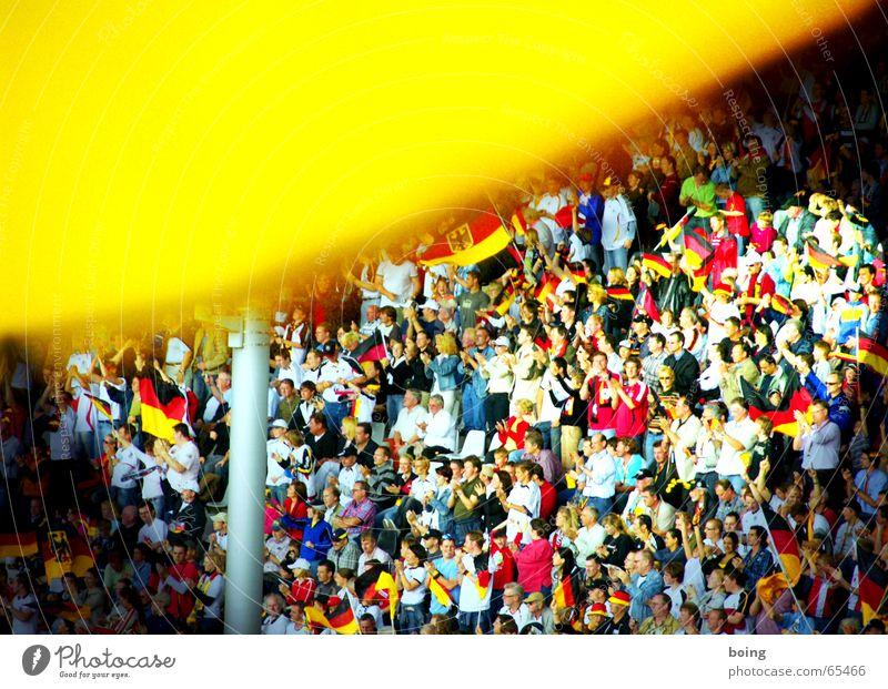 du bist ... doof Freude Sport Spielen Deutschland Fußball Erfolg Fahne Mensch Deutsche Flagge Menschenmenge Abschied Sportveranstaltung Konkurrenz Fan Applaus Stadion
