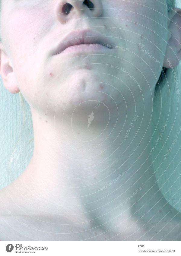 lost 8 Mädchen kalt bewegungslos Leben ernst Denken Trauer Eis blau Tod bleich Traurigkeit