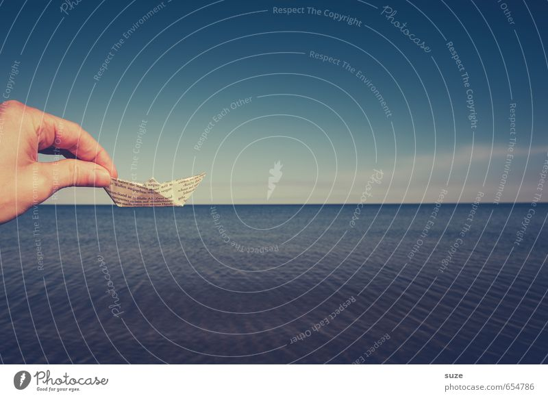 Verschiffung Lifestyle Freizeit & Hobby Spielen Basteln Ferien & Urlaub & Reisen Kreuzfahrt Sommer Sommerurlaub Meer Hand Finger Umwelt Himmel Schifffahrt