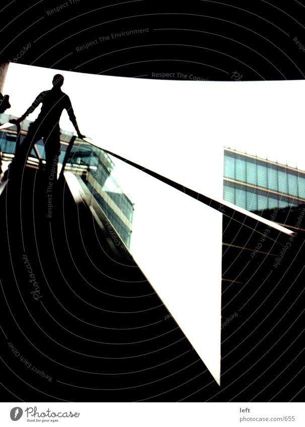 Schattenmann dunkel Gegenlicht Fototechnik Treppe Sony Center Berlin