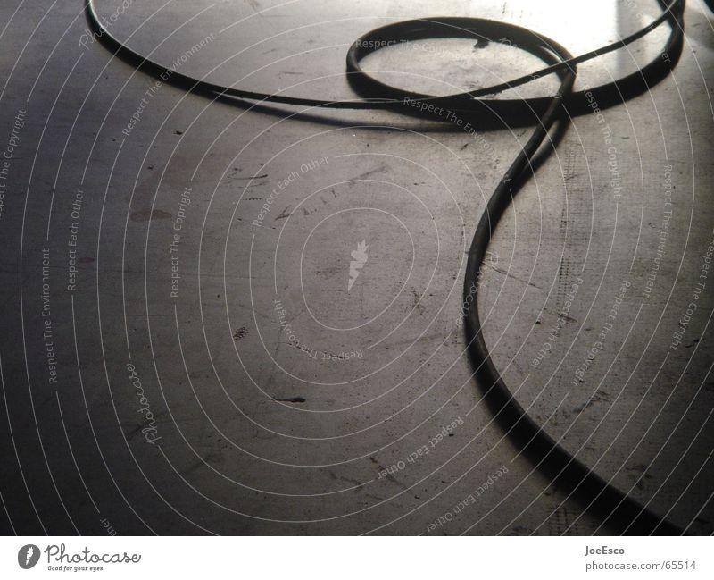 stolperfalle Stil Raum Beton Kabel Bodenbelag fallen Teilung Trennung Produktion wickeln Schlaufe Photo-Shooting Filmproduktion Hinterhalt Kabelsalat Dreharbeit