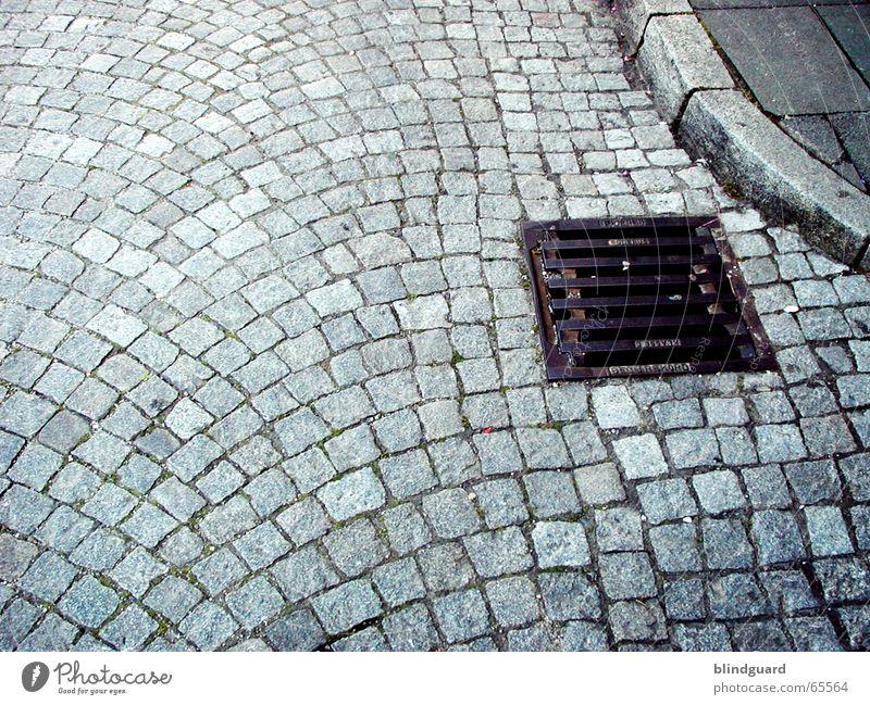 Pflaster-Stein alt Straße grau Stein gehen laufen Ausflug gut fahren fallen Bürgersteig Quadrat Kopfsteinpflaster werfen Demonstration rau