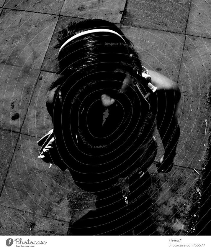Änna Haarreif Mädchen dunkel Schattenseite Schulter schwarz weiß Silhouette anna :o) Fliesen u. Kacheln hoch oben Haare & Frisuren Nase shadow Fleck finsterniss