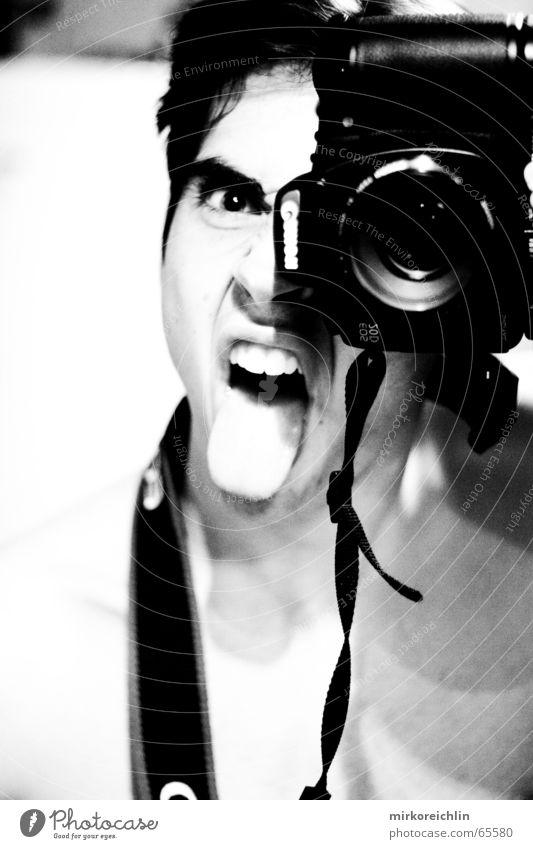 Hmmm, ich. 1 Mann Hand Auge Haare & Frisuren Bad Zähne Reinigen Fotokamera Spiegel böse Kette Draht kämpfen Fotograf Zunge Zahnarzt